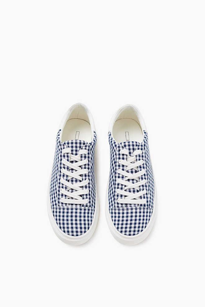 http://www.esprit.fr/femmes-chaussures/sneakers-en-textile-à-carreaux-vichy-067EK1W009_400